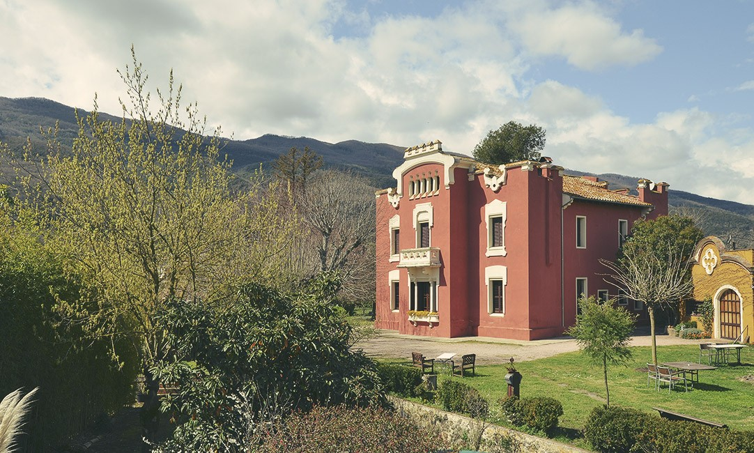 Hotel can garay hotel rural can garay les planes d for Hotel familiar girona